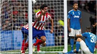 Savic celebrando su gol contra la Juve