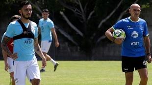 Jesús Zavala y José Luis Sánchez durante un entrenamiento con el...