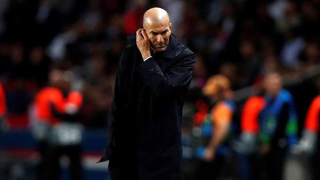 Zidane, preocupado en París.