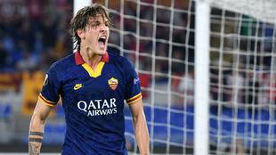 Zaniolo (20) celebra su gol.