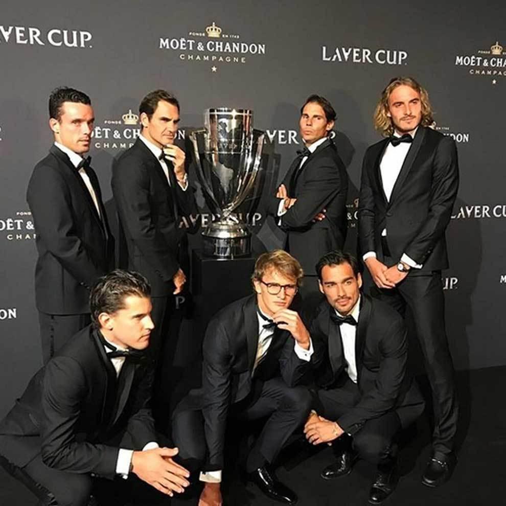 La simpática pose de Roberto Bautista, Roger Federer, Rafa Nadal, Stefanos Tsitsipas, Dominic Thiem, Alexander Zverev y Fabio Fognini en la gala de la Laver Cup.