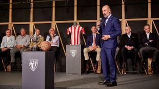 Elizegi, en el acto conmemorativo de la final de Copa de hace 50 años...