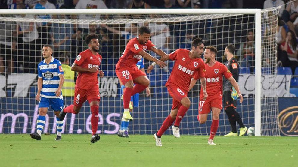 Alberto Escassi, celebra su gol frente al Dépor.