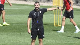 Diego Martínez, durante un entrenamiento en la ciudad deportiva del...