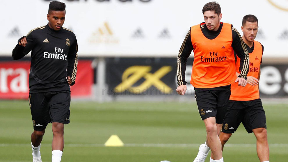 huge discount 95d51 287ed Real Madrid: Valverde returns to full training with Real ...