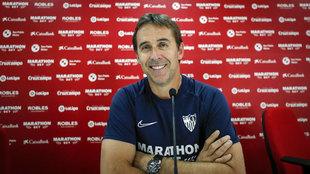 Julen Lopetegui en la sala de prensa de la Ciudad Deportiva del...