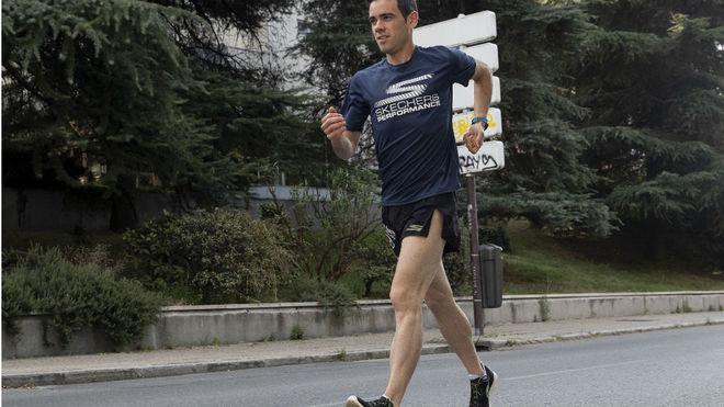 Diego García Carrera, atleta de Skechers, durante un entrenamiento