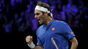 Federer celebra un punto ante Kyrgios