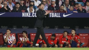 Simeone durante el partido ante el Celta.