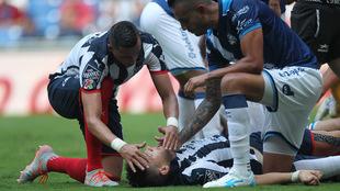 Montes es auxiliado por Funes Mori.
