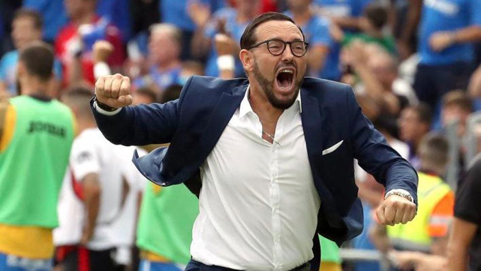 José Bordalás del técnico del Getafe, celebra un gol ante el...