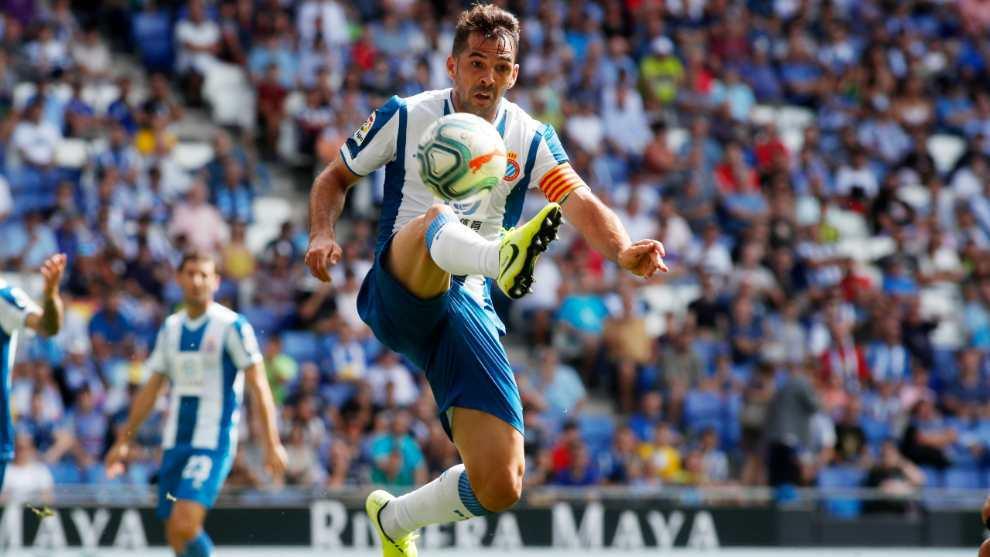 Víctor Sánchez, en una jugada contra la Real