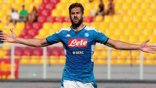 Fernando Llorente (34) celebra el primer de sus goles ante el Lecce.