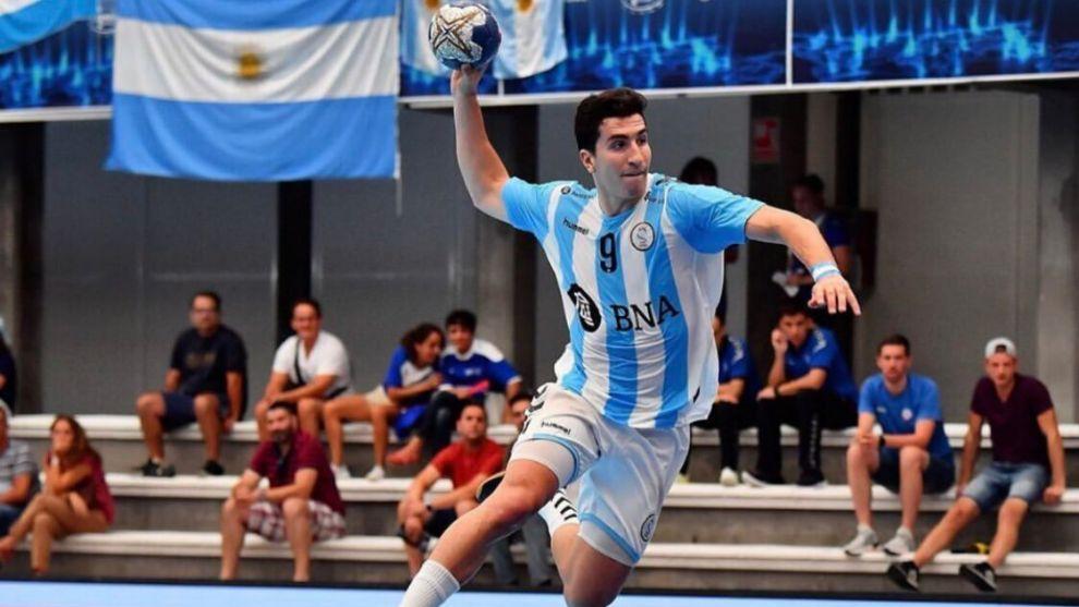 El central júnior argentino Pedro Martínez Cami, nuevo jugador del...