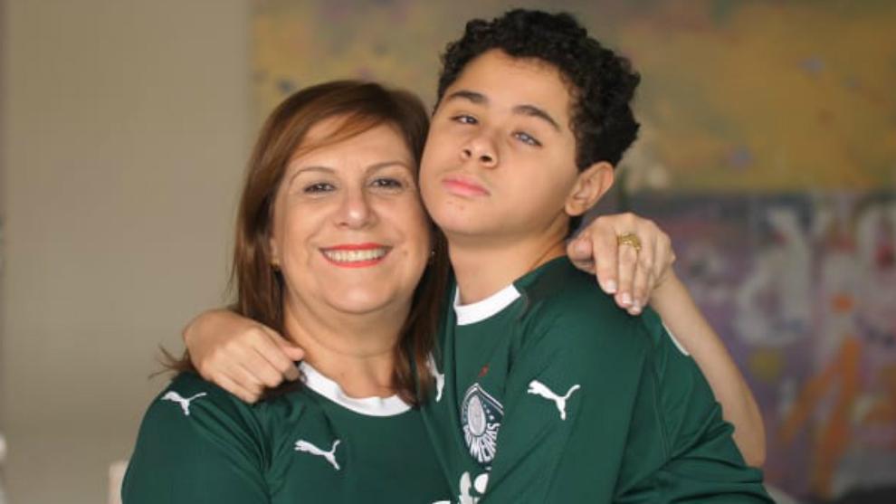 Silvia Grecco, junto a su hijo