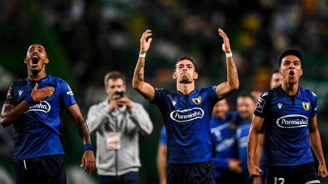 Lameiras, Anderson y Assunçao celebran el triunfo en casa del...