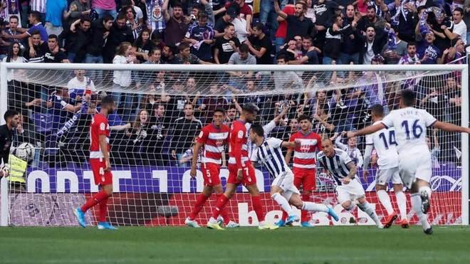 Óscar Plano celebra el gol que marcó.