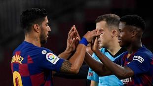 Suárez, sustituido por Ansu Fati contra el Villarreal