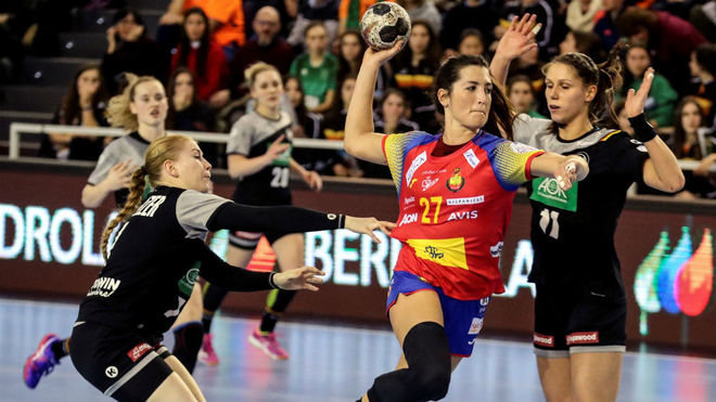 Lara González, de vuelta a la selección tras su lesión de fascitis...