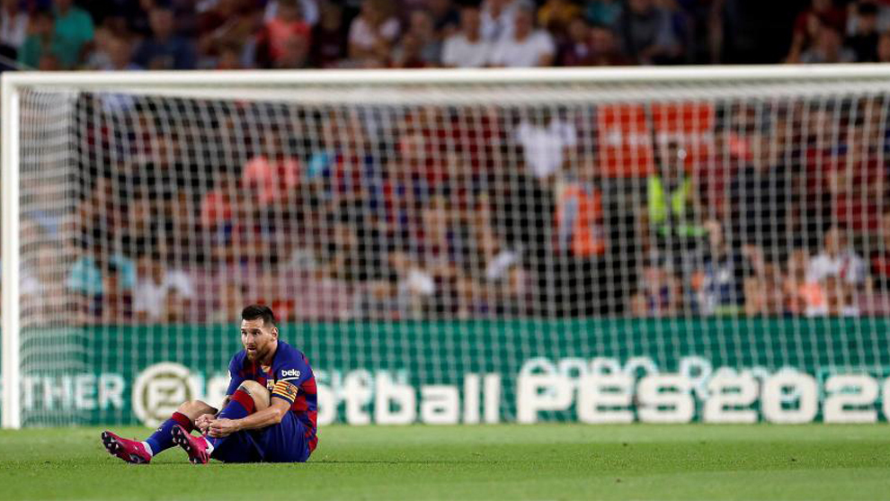 Messi substituted as a precaution, says Barca boss Valverde