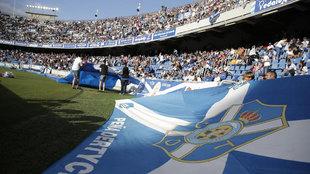 Afición del Tenerife en el estadio Heliodoro Rodríguez.