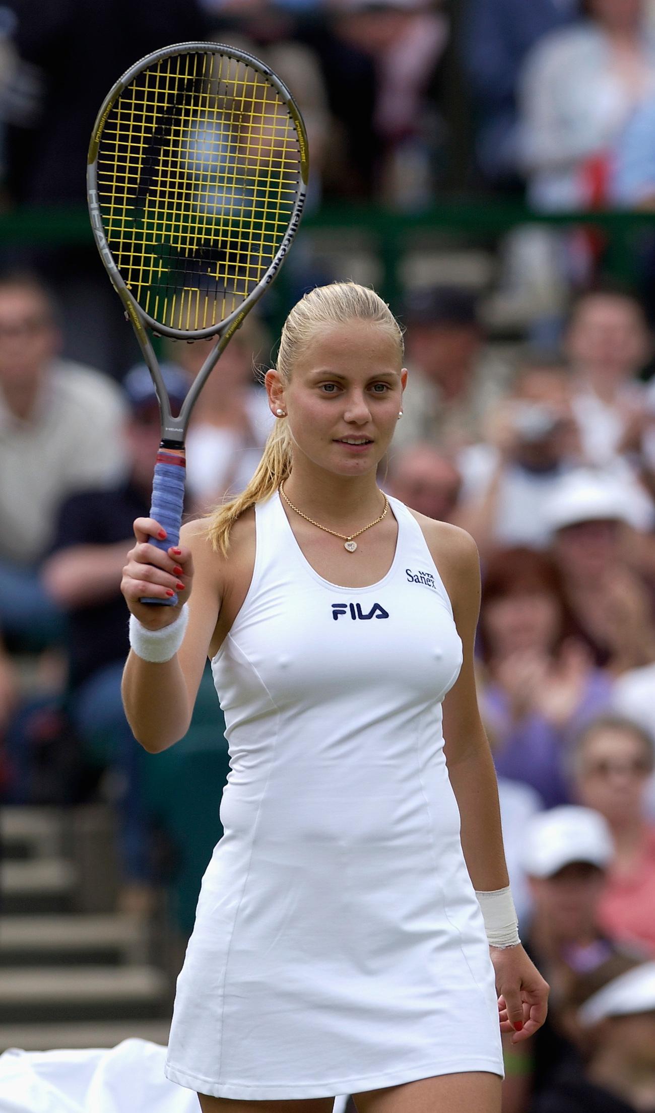 Jelena Dokic volt teniszező 2002-ben, amikor a világ negyedik helyére került