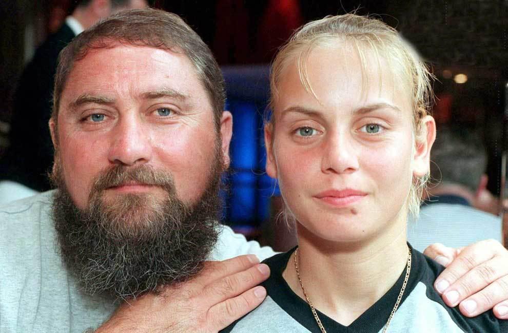 """Jelena Dokic: """"Apám minden nap verni engem, meg kellett rúgnia a fejem"""""""