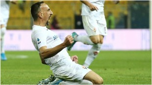 Ribéry festeja su gol contra Atalanta.