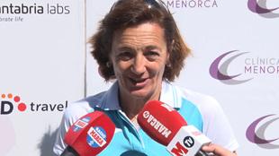 Lola Fernández Ochoa antes de comenzar el XX Torneo de golf de la...