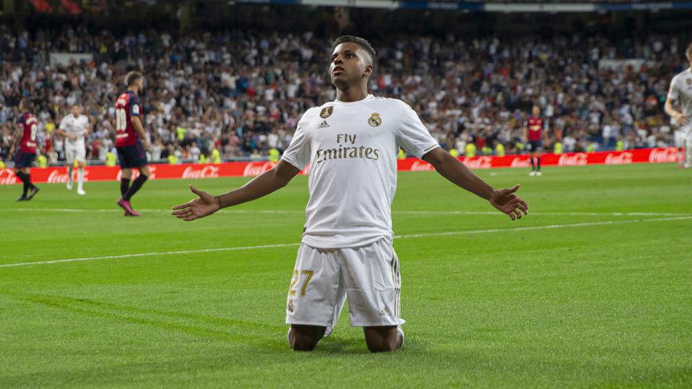Rodrygo celebrates his goal against Osasuna.