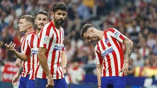 Saúl, Diego Costa y Koke en partido de La Liga entre Atlético de...