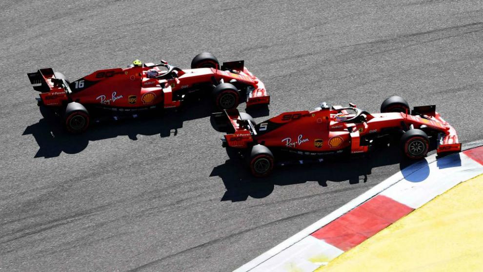 Vettel, por delante de Leclerc en Sochi.