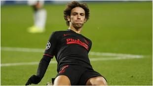 Joao Félix celebra su primer gol en la Champions League