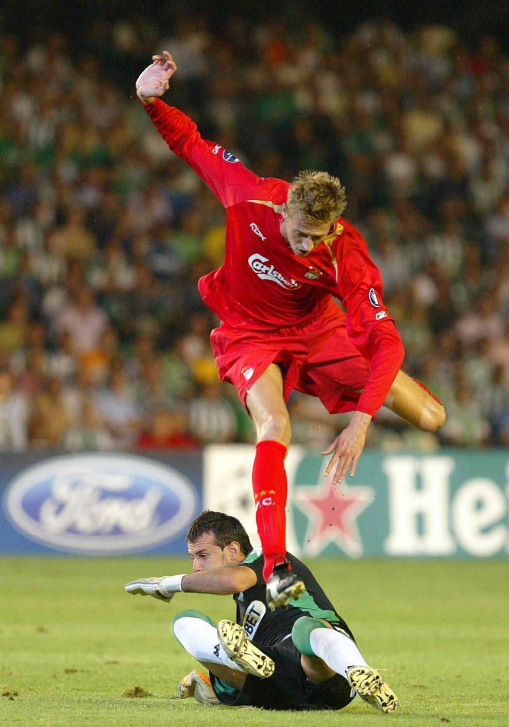Peter Crouch jugando con el Liverpool