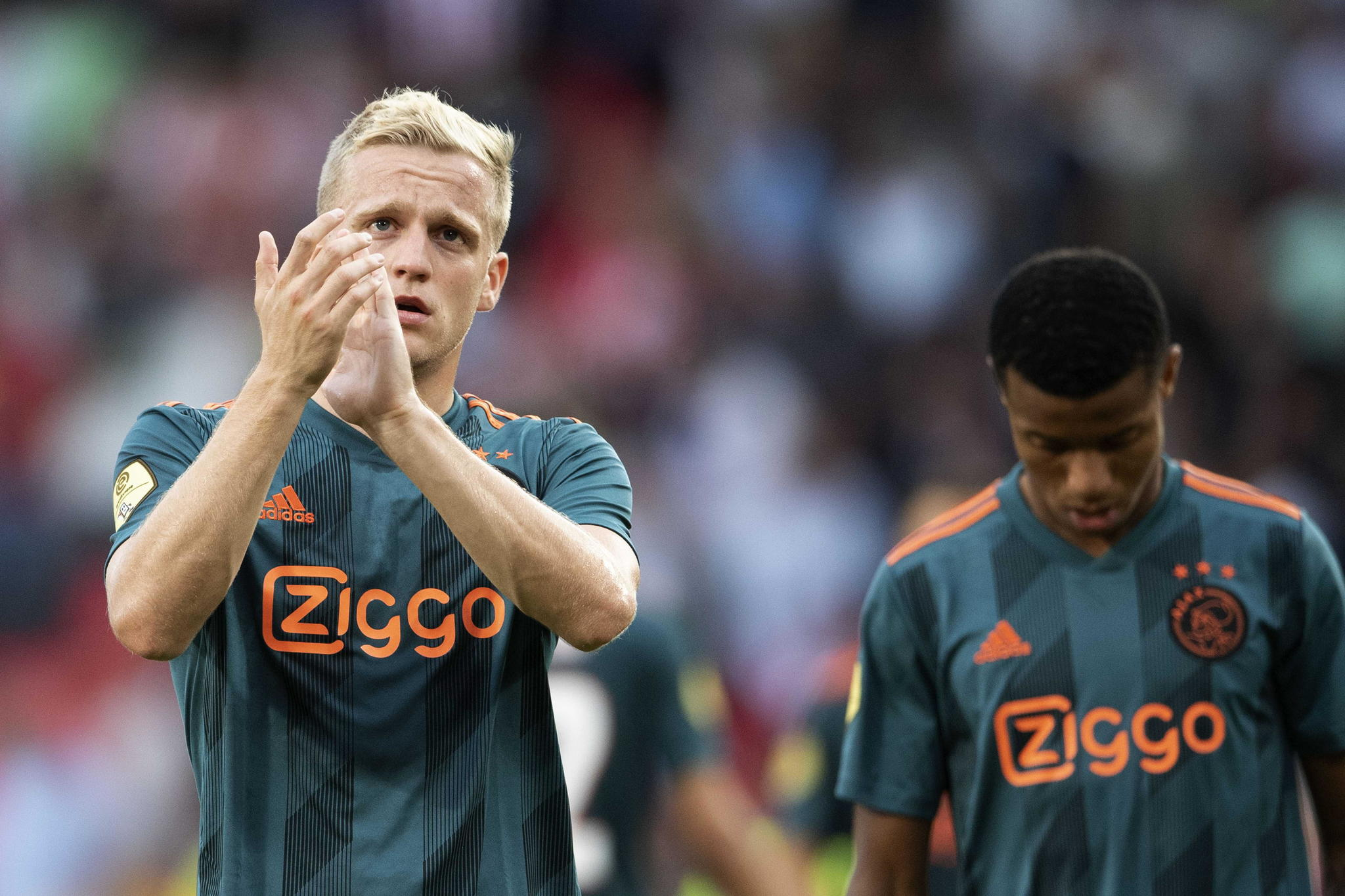 Eindhoven (Netherlands), 22/09/2019.- Donny <HIT>Van</HIT> de <HIT>Beek</HIT> of Ajax reacts after the Dutch Eredivisie soccer match PSV vs Ajax in Eindhoven, Netherlands 22 September 2019. (Países Bajos; Holanda) EFE/EPA/OLAF KRAAK