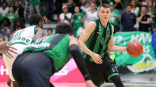 Dimitrijevic dirige un ataque del Joventut ante el Nanterre.