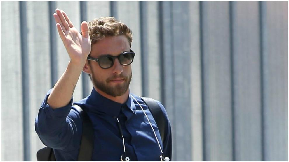 Marchisio saluda a los aficionados de la Juve antes de viajar a la...