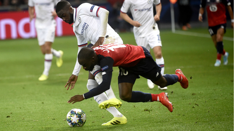 Tomori, durante el partido de Champions contra el Lille