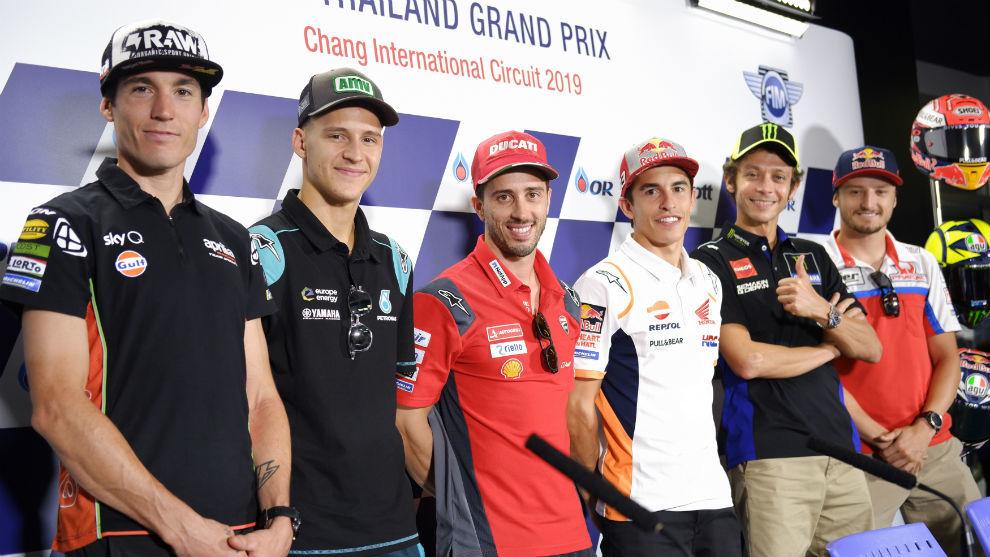 Los pilotos de MotoGP, durante la rueda de prensa de hoy en el...