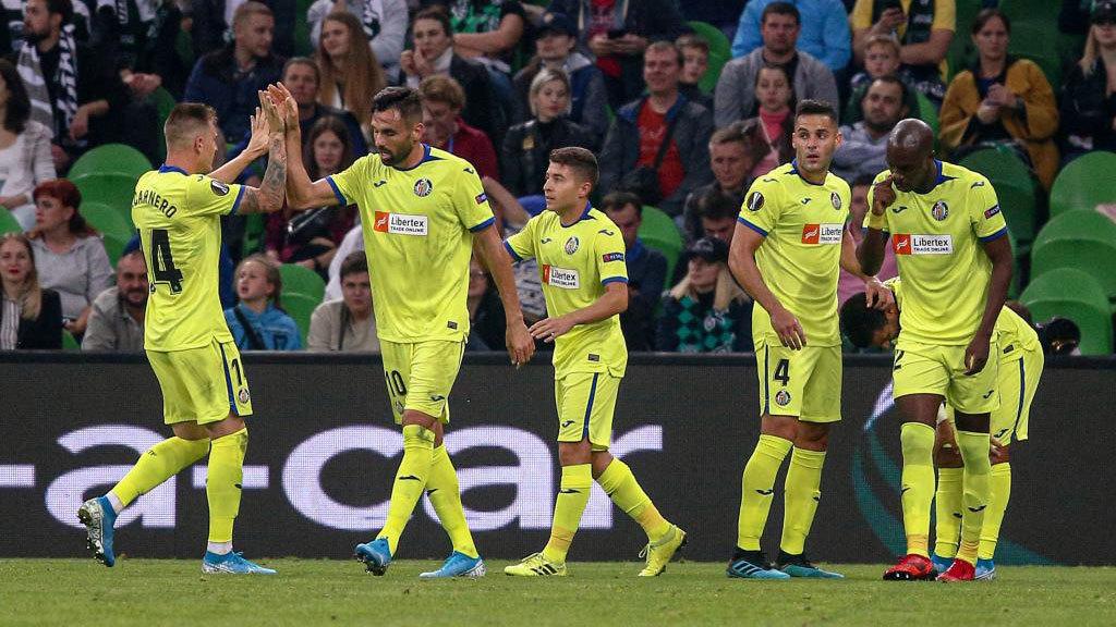 Los jugadores del Getafe celebran uno de sus goles en Krasnodar.