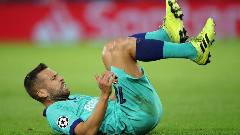 Jordi Alba, dolorido.
