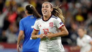Patri Guijarro celebra el primer gol de España ante Azerbaiyán en...