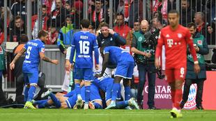 El Hoffenheim festeja su primera victoria en el Allianz.