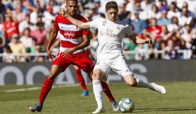 Fede Valverde, durante el partido ante el Granada
