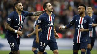 Sarabia celebra su gol junto a Icardi y neymar