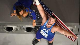 Kovacs celebra el oro en peso