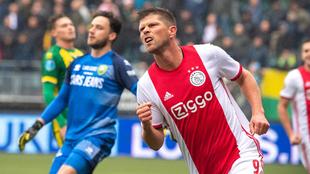 Huntelaar celebrado su gol.