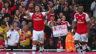 David Luiz celebrando su anotación.