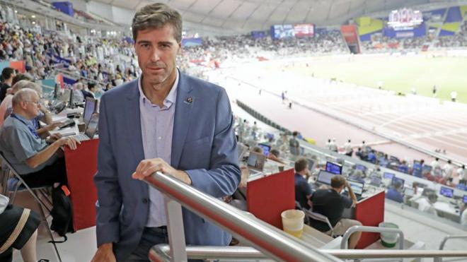 Raúl Chapado, presidente de la RFEA, en el Khalifa Stadium de Doha.