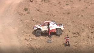 Fernando Alonso y Marc Coma, en la etapa 1 del Rally de Marruecos.